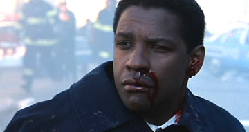 Also the film's hero, FBI agent Hubbard, is slightly hurt in an attack.